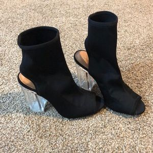 Black Shoes with Clear Heel